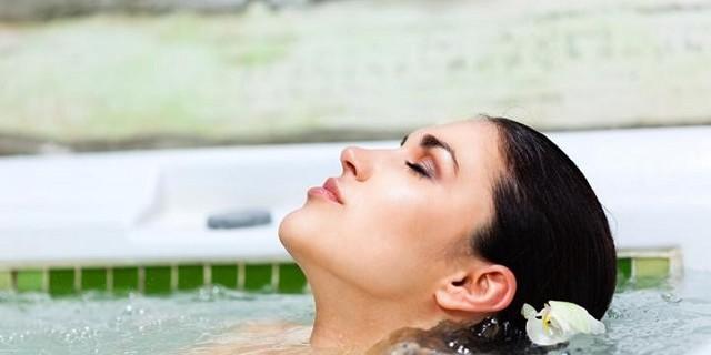 Luxus Badezimmer als eigener Wellness-Bereich