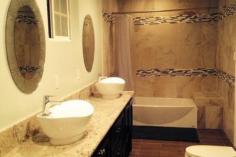 Luxus Badezimmer exklusiv gestalten